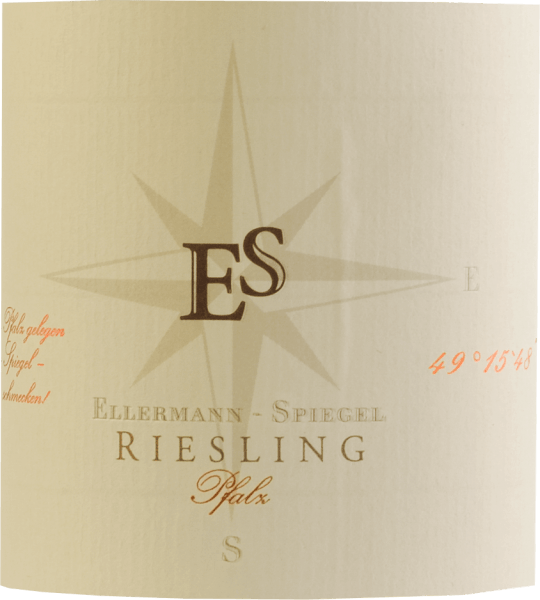The Riesling Schlabberwein by Ellermann-Spiegel from the Palatinate is a wonderful Riesling typical of the variety. Brilliant light yellow in the glass, on the nose fine aromas of peach, apples, nuances of cassis, mineral accents and floral notes. It dances almost on the tongue, with extraordinarily juicy fruit on the palate, mineral, delicate spicy notes, carried by fine and at the same time refreshing acidity. Long, mineral-fruity reverberation. Frank Spiegel's Riesling already hints at it with his name. The harmonious white wine with slight residual sweetness is meant to slip away. An uncomplicated wine in the best sense for every occasion.  Food recommendations and tasting tip for the Riesling by Ellermann & Spiegel Enjoy the Riesling from the Palatinate solo, as an aperitif, but also with asparagus, fish and Asian dishes. Vinification of the Muddy Wine by Frank Spiegel The Riesling Mud Wine from Ellermann-Spiegel is aged in a stainless steel tank and remains on the fine yeast for some time, so that the elegant aromas of this classic Palatinate Riesling can unfold beautifully, for tasty, aromatically elegant drinking pleasure.