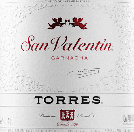 San Valentin Tinto by Miguel Torres is a Spanish red wine from the DO Catalunya region. This wine is vinified exclusively from the Grenache grape variety (100%). This wine glows in the glass in a dark cherry red with violet shimmer. The San Valentin Tinto delights with a seductive and intense bouquet of red berries, juicy plums and dried figs as well as accents of subtle Mediterranean spice notes. On the palate, this Spanish red wine is smooth and silky. The fruity notes of jam and blackberries combine with the very gentle tannins to create a wonderful tint and unfold further in a pleasantly long finish. Food recommendation for the Torres San Valentin Tinto This dry red wine from Spain is a good choice for fried poultry, spicy pasta and pizza variations, matured cheese or smoked ham.