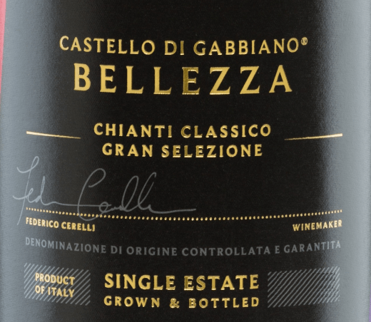 Behind the name of the grape variety Supertuscan Bellezza Chianti Classico Gran Selezione of Castello di Gabbiano hides the importance of beauty, which is also reflected in the wine. With an intense, dark ruby red, this Italian wine presents itself in the glass. The expressive bouquet pampers with filigree aromas of ripe red berries, citrus fruits - accompanied by notes of spices and vanilla. On the palate, this red wine convinces with its complexity and complexity with spicy aromas and a hint of tobacco. The typical concise acidity of Sangiovese gives this wine a certain freshness and harmonizes wonderfully with the elegant, silky tannins. This red wine concludes with a long-lasting reverberation. Vinification of the Castello di GabbianoBellezza Chianti Classico Gran Selezione The Sangiovese grapes come from 12-year-old vines and grow in the best locations of Castello di Gabbiano. The careful harvesting and strict selection in the wine cellar are carried out exclusively by hand. After pressing the material, the mash is fermented in small stainless steel tanks. After completion of the fermentation process, this wine is stored for 14-16 months in small and large French oak barrels (80% secondary, 20% new). Food recommendationfor BellezzaCastello di Gabbiano Enjoy this dry red wine from Italy goes with game, pasta with truffle, lamb, ripe cheese and strong dishes. But also solo in a large burgundy chalice, this wine is a real treat. We recommend decanting this red wine. Awards for the Chianti Classico Gran Selezione Bellezza Castello di Gabbiano Mundus Vini: Gold for 2013 Michael Godel: 93 points for 2013