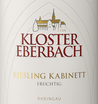 Riesling Kabinett fruchtig von Kloster Eberbach is a pure, sweet white wine from the German wine growing region Rheingau. In the glass, this wine shines in a clear straw yellow with golden highlights. An intense, fruity aroma of fresh citrus fruits and ripe peaches unfolds in the nose. The palate enjoys a juicy and sweet fruit fullness, which is surrounded by a fine acidic structure. This German white wine has a wonderful grip and juicy fruit sweetness, which accompanies with a distinct minerality in the long aftertaste. Food recommendation for the monastery Eberbach Riesling Kabinett This sweet white wine from Germany is a great accompaniment to spicy, spicy dishes of Asian cuisine. But this wine is also a treat for sausage specialities.