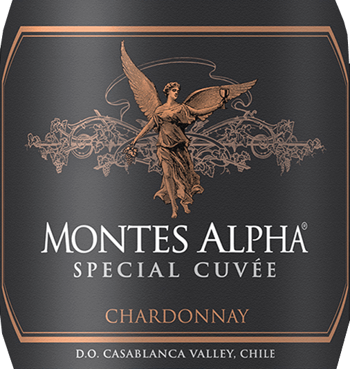 The vines for the complex, varietal Montes Alpha Special Cuvée Chardonnay grow in the region of Aconcagua Costa. In the glass, this wine has a deep yellow color with shiny golden highlights. The excellent bouquet reveals intense notes of tropical fruits - it dominates notes of pineapple and banana. This is accompanied by white-fleshy peaches with fine mineral notes. Thanks to the barrel extension, the aroma is underlined by hints of hazelnuts and vanilla. On the palate, this Chilean white wine convinces with its fresh character, which is surrounded by a voluminous body. The very pleasant acidity accompanies in the wonderfully persistent reverberation.  Vinification of the Chardonnay Special Cuvée Montes Alpha From early February to early April, the Chardonnay grapes are harvested manually in 300kg containers in the early morning. Arriving in the wine cellar, the harvested material is destemmed, pressed and cold mashed for several hours. The must is then fermented in stainless steel tanks at 13 to 14 degrees Celsius for 25 days.  After the fermentation process has been completed, 40% of this wine is aged for 12 months in French oak barrels. 60% of this white wine remains in the stainless steel tanks.  Food recommendation for the Special Cuvée Montes Alpha Chardonnay Enjoy this dry white wine from Chile with salmon tartar and fresh lobster. But also with light pasta dishes and ripe cheeses is highly recommended.