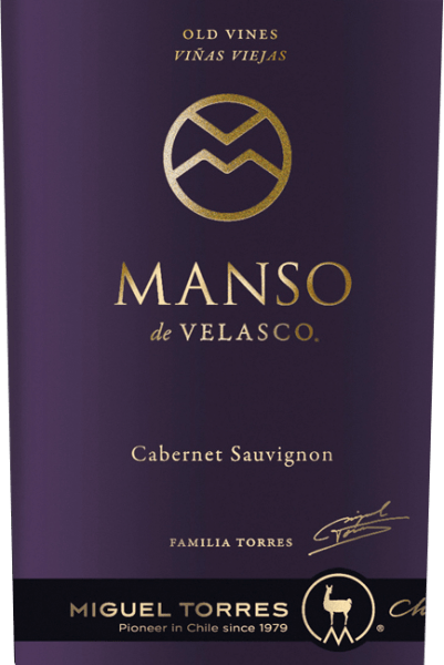 This pure single layer Cabernet Sauvignon with its intense, dark ruby red colour pays homage to the Manso de Velasco - the famous Spanish governor and founder of the city of Cúrico. The Manso de Velasco Cabernet Sauvignon by Miguel Torres Chile pampers with an exquisite, fruity and spicy bouquet, which reveals the classic grape variety aromas of  blackberries, wild berry jam, fine leather notes and ripe dark fruits. Powerful and uniquely elegant at the same time, this Chilean red wine presents itself on the palate. The taste is topped by a velvety ripened tannin and a wonderfully long, sustainable reverberation with aromatic aftertaste of spices, fine roasted notes and dark fruit. Vinification of Torres Cabernet Sauvignon Manso de Velasco At the beginning of May, the careful harvesting of the grapes begins in the Valle de Curico. The harvested material is immediately taken to the wine cellar and strictly selected there. The mash is then fermented in stainless steel tanks for 7 days at 30 degrees Celsius. Subsequently, this wine remains in the tanks on the berry skins for a few weeks, so that the colour, the varied aromas and the tannins can be gently removed from them. Finally, this wine is extracted and matured for a total of 18 months in French Nevers oak barrels (70% new wood).  Food recommendation for the Manso de Velasco Torres Cabernet Sauvignon We recommend this dry red wine from Chile with fried meat such as duck or game dishes and spicy ripened sheep cheeses.  Awards for the Manso de Velasco of Torres Robert M. Parker - Wine Advocate: 92 points for 2013