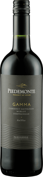 The Tinto gamma from Piedemonte appears in the glass in an intense cherry red with ruby red shimmer. The bouquet of this cuvée is intense and fruity, especially the aromas of ripe, black berries combined with nuances of vanilla and toffee stand out. This Spanish red wine is meaty and fruity on the palate, with spicy nuances and soft tannins that round off this wine. Vinification for the Tinto gamma by Piedemonte This cuvée is made from Merlot, Tempranillo and Cabernet Sauvignon grape varieties. The berries of the various grape varieties are fermented and mashed separately in stainless steel containers. The fermentation is carried out at a controlled temperature between 26 and 28 ° Celsius. Subsequently, the maceration period begins, which, depending on the grape variety and the nature of the berries, lasts about 12 days. After alcoholic and malolactic fermentation, the wine remains in oak barrels for 3 months. After the ageing period in the barrel, the mixing of the different wines is carried out, whereby a perfect saponification of the three varieties is achieved. Food recommendation for the Gamma Tinto by Piedemonte Enjoy this dry red wine with dishes with meat, pasta, casseroles, risotto or mild cheese. Awards for the Tinto gamma by Piedemonte Berliner Winetrophy: Gold (Jahrgänge 2016, 2015, 2011) Mundus Vini: Silver (vintage 2015) Wine Enthusiast: 88 points (vintage 2015) Concours Mondial de Bruxelles: Silver (vintage 2011) Guia Penin: 85 points (vintage 2010)