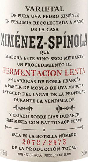 """The Fermentacion Lenta by Ximénez-Spinola shines in a light gold in the glass, while seducing with its magnificent bouquet. This is dominated by the aromas of French barrels in combination with the harmonious notes of raisins and prunes. On the palate, this sherry is rich and lush, the reverberation is characterized by the notes of ripe fruit and wood. Overall, a very inviting and long-lasting sherry. Production of the Fermentacion Lenta of Ximénez-Spinola The grapes for this sherry made from 100% Pedro Ximénez are harvested overripe and gently pressed. """"Fermentacion Lenta"""" means slow fermentation and so this sherry is also produced by replenishing the French oak barrels day by day with only 30 litres of must. The musts are then stored in barrels for 6 months. Food recommendation for Fermentacion Lenta by Ximénez-Spinola Enjoy Fermentacion Lenta with smoked fish such as salmon and tuna, Spanish ham and white meat rice dishes."""