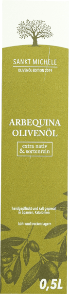 The extra virgin Arbequina olive oil from Saint Michele appears in a fresh green and unfolds in the nose an incredibly fruity aroma with hints of Mediterranean herbs. The 100% pure olive oil is produced in Catalonia from the Arbequina olive and thus has a very mild and fresh character. Production of Arbequina olive oil from Saint Michele The Arbequina olive grows in the Catalan highlands in the Tarragona region without the addition of artificial fertilizers. Harvesting begins in mid-November at the earliest and ends in January. The harvest time is extremely important. If harvested too early, too many immature olives get into the oil, giving it bitter notes. All olives are picked by hand and ground immediately. The pressing is gentle and as gentle as possible. Food recommendation for virgin olive oil from Saint Michele from Spain Enjoy the olive oil with seasonal salads but also pure with fresh white bread and a breeze of salt a real profit.