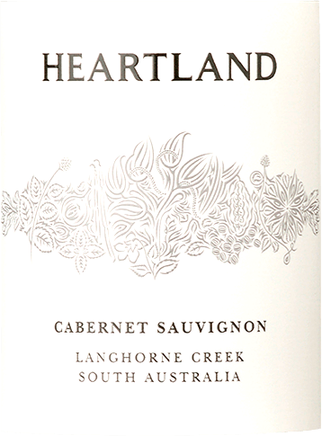 The single variety Heartland Cabernet Sauvignon from Langhorne Creek comes with bright ruby red and purple reflections in the glass. The nose is dominated by aromas of ripe plums, cassis liqueur, black currant and spicy peppery notes. On the palate, the Heartland Cabernet Sauvignon from Ben Glaetzer's pen enchants with a harmonious interplay of wild spice, concentrated fruit and independent characteristics. Vinification of the Heartland Cabernet Sauvignon Langhorne Creek This Cabernet from Australia has been aged for 12 months in multiple barriques of French and American oak. Food recommendation for the Heartland Cabernet Sauvignon This Australian Cabernet is the ideal red wine to accompany pasta, short-roasted beef and strong ragouts.