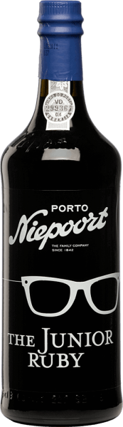 The Junior Ruby Port from Niepoort is a young, full-bodied and fruity port wine from Sousão, Tinta Amarela, Tinta Cão, Tinta Francisca, Tinta Roriz, Touriga Francesa, Touriga Nacional and other red Portuguese grape varieties.  In the glass, this port presents  itself in a bright, dark red. The appealing aromatic nose reveals intense notes of ripe fruit - particularly ripe plums and juicy cherries stand out. The bouquet is accompanied by nuances of cocoa and dark chocolate. On the palate, this port wine is wonderfully velvety and soft. A port with a lot of taste and abundance. Vinification of Niepoort The Junior Ruby Port The hand-picked grapes, from older vineyards in the Cima Corgo region in the Douro Valley, are fermented in traditional lagars. Subsequently, this port matures for an average of three years in large wood fodder in the Niepoort cellars of Vila Nova de Gaia before this port wine is bottled.  Food recommendation for Niepoort Port The Junior Ruby We recommend this port wine with desserts with dark chocolate, blue cheese and hard cheese.