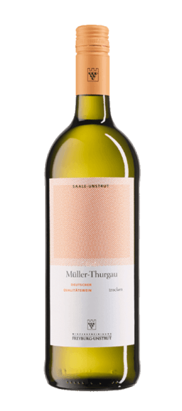 The Müller-Thurgau Qba dry from the Winzervereinigung Freyburg-Unstrut presents itself in the glass in a bright yellow and enchants with its typical varietal bouquet. This reveals the aromas of fresh apples, apricots and walnuts. These fruity notes are rounded off by a hint of nutmeg. This white wine from Saale-Unstrut is easily accessible and has a fruity taste on the palate. A typical Müller-Thurgau with a light and uncomplicated character, which is the ideal wine for spring and summer with its fresh style. Food recommendation for the Müller-Thurgau by the Winzervereinigung Freyburg-Unstrut Enjoy this dry white wine solo, with stews and roasted pork or with Trout meunière.