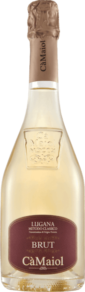 The Metodo Classico Lugana from Cà Maiol comes into the glass with intense straw yellow colour and golden reflections. The nose ofthe Metodo Classico Lugana turns out to be extraordinarily complex with a large scented pot pourri that reminds of Galia melons, ripe apricots and peach melba in addition to citrus fruits. Spicy notes of well-tanned brioche, cumin and candied ginger are added. On the palate, the Metodo Classico Lugana from Cà Maiol again shows a lot of yellow peach, but also hints of alpine herbs and lavender. In the prelude gentle and body-rich, this Lugana appears harmonious, lush and balanced. A juicy drinking flow and the finest barrique aromas perfectly round off the taste of this white wine from Lombardy. Vinification ofthe Metodo Classico Lugana This Lugana by Cà Maiol bears the name of the firstborn of the owner family. After harvesting the grapes in the oldest, poorer yielding vineyards of the estate, they are cold mashed and the must is fermented after pressing in a temperature-controlled manner. TheMetodo Classico Luganawhite wine then matures for 6 months in 225l French oak barriques. After bottling, the wine may harmonise for another six months before finally being placed on the market. Food recommendation for the Cà MaiolMetodo Classico Lugana Enjoy this powerful top wine from Lombardy with spicy dishes with light meat, with Alba truffles or just like that. Awards for the Cà MaiolMetodo Classico Lugana Falstaff: 93 points for 2015 Bibenda: 5 grapes for 2015 Gambero Rosso: 2 red glasses for 2013 and 2014
