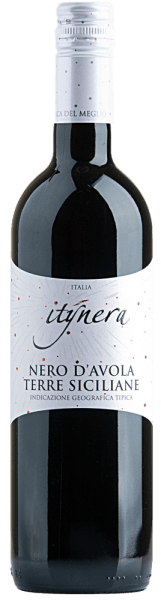 The Itinera Nero d 'Avola Sicilia IGT by Mondo del Vino is presented in the glass in a dark ruby red and unfolds an aromatic bouquet that flatters the nose with cloves and berries. The harmonious and elegant impression of this Sicilian red wine ends in a long finale. Food recommendation for the Itinera Nero d 'Avola Sicilia IGT Enjoy this dry red wine with pasta al arrabiata, pizza or rib-eye steak with oven vegetables and sour cream.