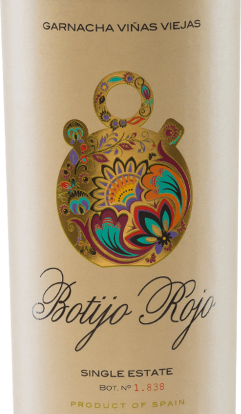 TheBotijo Rojo GarnachaViñas Viejas of the Bodegas Frontonio shines in an intense ruby red. In the nose, wonderful aromas of red currants and ripe cherries unfold. Fine hints of tart herbs are added to the bouquet. The palate is convinced by a body-rich, elegant red wine from Spain - the aromas of the nose can also be found on the palate. The tannins are perfectly integrated intothe Botijo Rojo GarnachaViñas Viejas. The finish is long and unforgettable. Vinification of Botijo Rojo GarnachaViñas Viejas by Bodegas Frontonio The Garnacha grapes for this pure red wine come from 50-70 year old vines. Temperature-controlled mash fermentation takes place in the concrete tank. The Garnacha Tinta Botijo Rojo Viñas Viejas wins the silky tannins by ageing in French oak for 6-8 months. Food recommendation for the Garnacha Tinta Botijo RojoViñas Viejas Enjoy this red wine from Aragon with lamb honey ragout, grilled pork withbarbecue sauce or with ripe cheeses. Awards for Botijo RojoViñas Viejas AWC Vienna: Gold for 2015