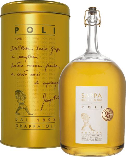 Jacopo Poli 's Sarpa Oro di Poli is a mild, soft grappa distilled from the marc of Merlot (60%) and Cabernet Sauvignon (40%).  In the glass, this marc brandy shines in a warm gold with shiny reflections. The aromatic bouquet reveals fine aromas of tropical fruits, lemons and spicy notes of vanilla and liquorice. On the palate, this grappa is wonderfully velvety with a mild body. The soft fullness is perfectly enveloped by warm spice aromas.  Distillation of Jacopo Poli Grappa Sarpa Oro di Poli Big Mama The still fresh pomace is traditionally distilled in old copper burners. After the firing process, this grappa still has 75% by volume. By adding distilled water, this pomace brandy reaches an alcohol content of 40% by volume. Afterwards, this grappa rests for a total of 4 years in French allier oak barriques, before finally being gently filtered and filled onto the bottle. Serving recommendation for the Big Mama Sarpa Oro di Poli Jacopo Poli Grappa Enjoy this Italian marc brandy best at a temperature of 18 to 20 degrees Celsius - like as a digestif or simply pure on a cozy evening.