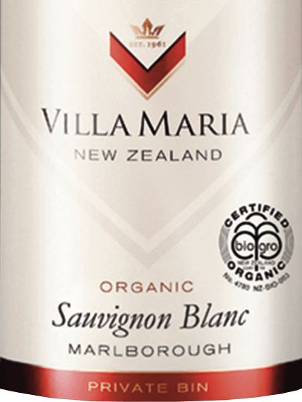 The Private Bin Sauvignon Blanc from Villa Maria in the Marlborough wine-growing region of New Zealand is a fruity, lively white wine. In the glass, this organic white wine presents itself in a light straw yellow with greenish reflections. This New Zealand Sauvignon Blanc is characterised by a fragrantly aromatic, enormously complex and explosive bouquet of fresh citrus fruits, honeydew melons, juicy gooseberries and exotic passion fruit notes, rounded off by slightly grassy herbal notes. Seductively juicy and typically aromatic in taste, this white wine shows a beautiful racy, fruity acidity and a particularly fresh and lively finish. Vinification of Sauvignon Blanc Villa Maria Private Bin The grapes for this wine come from different vineyards in the Wairau and Awatere valleys of the Marlborough region, with a wide range of different microclimatic conditions. In order to make the most of the seasons and ensure a powerful, pure fragrance, much attention has been paid to the health of the vines and grapes. Within 3 weeks the grapes are brought in with different degrees of ripeness and immediately brought into the wine cellar. There the grapes are gently ground, then pressed and left to cool for 24 hours. This is followed by fermentation in stainless steel tanks at a temperature of 12 to 14 degrees Celsius. Immediately after the fermentation process is completed, this wine is bottled. Food recommendation for the Villa Maria Private Bin Sauvignon Blanc Enjoy this dry white wine from New Zealand ideally as an aperitif, with a crunchy salad with fresh or baked goat cheese, grilled vegetables, seafood and light fish dishes, as well as white meat.