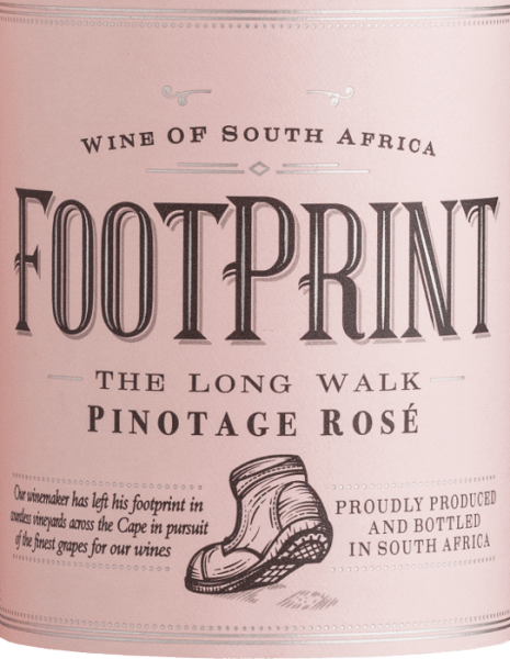 African Pride Pinotage Rose Footprint glows in the glass in a wonderful salmon rose. This South African rosé clearly focuses on berry fruit. The nose and palate are pampered by strong aromas of juicy raspberries and ripe strawberries. In addition, there are fine nuances of blackberry and cranberry. This dry rosé wine impresses with its fruity, elegant personality and appealing acidity. Food recommendation for the Footprint Rosé This rosé wine from South Africa is a real treat for carpaccio, Spanish tapas - whether hot or cold - and also glazed salmon with crunchy vegetables.