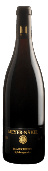 The Spätburgunder Blauschiefer from Meyer-Näkel flatters the nose with the intense fruit aromas of blackberries, blueberries, redcurrants and cherries. In the background discreet floral nuances and toasted notes can be recognized. These impressions are reflected on the palate and are continued with elegant tannins into a long finish. Vinification for the Blauschiefer Spätburgunder The old vines for this Pinot Noir from the Ahr rooted on blue slate soil. This slate shapes the minerality of this wine. The grapes are harvested by hand and fermented on the mash for a maximum of 18 days. Over a period of 10 months, this Pinot Noir was aged in used barrique barrels. Food recommendation for the Blauschiefer Spätburgunder Enjoy this dry red wine with spicy appetizers, fine ragouts and roasts or ripened mountain cheese.