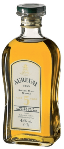 The Aureum Chestnut Single Malt Whisky by Ziegler is presented in the glass in a golden brown and delights with its softness and mildness, which are accompanied by a subtle sweetness. The round finish is elegant and aromatic. Serving recommendation for Ziegler Aureum Chestnut Enjoy this whisky as a digestive, with espresso or chocolate.