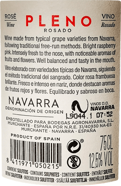 The bright pink colour of Pleno Rosado by Bodegas Agronavarra is reminiscent of fresh strawberries, which also characterise the fruity-fresh, pleasantly fragrant bouquet. In addition, aromas of raspberries and elderflowers, refined with delicate spicy nuances of balm and mint, can be perceived. On the palate, this uncomplicated rosé impresses with plenty of juicy fruit and freshness as well as a compact acidity structure and subtle tannins. Vinification of Pleno Rosado The mechanically and manually harvested Garnacha grapes are ground and subjected to temperature-controlled fermentation in a stainless steel tank. Then the wine is refined for a few months in the tank and finally filled onto the bottle. Food recommendation for Agronavarra Pleno Rosado We recommend this wonderful Garnacha Rosé from Navarre in northern Spain with salads, pizza, pasta with dark sauces, grilled dishes and fish.