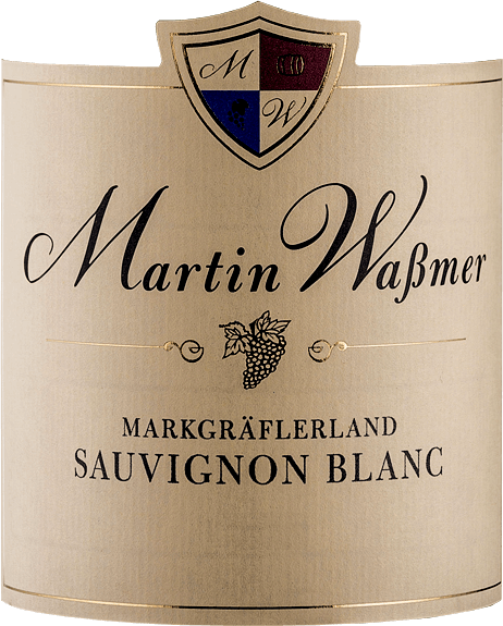 The Markgräferland Sauvignon Blanc from Martin Waßmer comes into the glass with a bright platinum yellow and exudes a wonderfully fruity aroma of freshly mown grass, fresh herbs, Granny Smith apples and slightly sweet stone fruit such as mirabelle and reneklode. On the palate, the Markgräflerland Sauvignon Blanc is clear and delicately juicy with animating apple nuances, delicate extract sweetness and a hint of fresh apricots. A pleasantly slender Sauvignon Blanc with a firm structure, yet lively and fresh. Pleasantly balanced, it delights with a good finish and slightly sweet apple fruit. Vinification of the Markgräflerland Sauvignon Blanc from Waßmer Even with his estate wines, Martin Waßmer is concerned with high aroma concentration, which he achieves by noticeably reducing yields. Waßmer extracts a maximum of 55 Hl/Ha of must per hectare from the vineyard and vinifies his Sauvigon Blanc in stainless steel tanks. Food recommendation for the Martin Waßmer Sauvignon Blanc Enjoy this fantastic Sauvignon Blanc from Baden with fish dishes, Thai or Vietnamese cuisine or simply on its own.