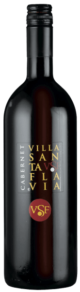The Cabernet Villa Santa Flavia by Sacchetto is presented in a ruby red dress. In the nose reveal fine cherry aromas paired with delicate spicy notes. On the palate the full-bodied taste becomes clear, in the finish it changes into a fine cherry tone. The Cabernet Sauvignon grapes are carefully selected and gently processed to preserve the typical characteristics of the grape variety. A charming and harmonious red!
