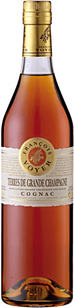 The Terres de Grande Champagne Cognac by Francois Voyer is presented in a gold to copper glass. His bouquet unfolds with the floral sounds of violets and limes, which are characteristic of the Grand Champagne Cru. The taste of this cognac is characterized by subtle wood notes, which is long-lasting and pleasant. Serving recommendation for the Terres de Grande Champagne Cognac by Francois Voyer Enjoy this cognac as an aperitif, digestif or in cocktails. Tip: Cognac Sour 4 cl Terres de Grande Champagne Cognac  1 cl sugar syrup 1 cl lemon juice 1 lemon sliceice cube