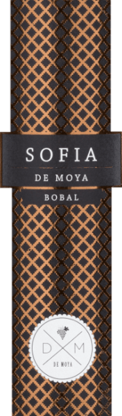 The Sofia Bobal from Bodega De Moya in the Valencia region of Spain is a fascinating wine from the Spanish Bobal grape variety in combination with Cabernet Sauvignon. This red wine is a tribute to his wife Sofia. A dense, dark ruby red colour appears in the glass. This excellent red wine cuvée offers a rich bouquet. In the nose, notes of spices and aromas dominate ripe fruits with mineral and smoky notes. On the palate, this Spanish red wine is full-bodied, velvety and extremely juicy. Taste notes of ripe fruit, beautifully integrated in soft tannins, slight hints of menthol, which give it a certain freshness. Long lasting soft finish. Vinification of Sofia Bobal De Moya The De Moya Sofia Bobal is produced as a cuvée of 93% Bobal and 7% Cabernet Sauvignon, which are cultivated and maintained according to organic guidelines. The vineyards are located at 850 m altitude, the vines are 70 to 90 years old. They grow on barren loamy and sandy soils with many pebbles.  The harvest is selectively carried out in 15 kg boxes. After harvesting, the grapes are cooled to 4 degrees Celsius for 24 hours. Temperature-controlled mash fermentation is carried out exclusively in wooden steel tanks, the mash hat is gently hand-held during the 26-34 day fermentation, exclusively from unpressed grapes, a traditional Spanish method for producing high-quality, complex wines. The expansion is then carried out for more than 18 months in selected new, small French barriques. Food recommendation for the Bodega De Moya Sofia Bobal An impressive, dense Spaniard who is also enthusiastic when enjoying this as a soloist. This dry red wine goes perfectly with opulent roasts with strong sauces, meat stews, game dishes from wild game to feathered game but also with classic Spanish ham and cold cuts. It is recommended to decant this wine.