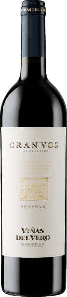 Forthe Gran Vos Reserva of Viñas del Vero, only the best red wine grapes of a vintage are married to a wonderful, expressive red wine cuvée. In the glass, this wine shines in a deep dark ruby red with dark red highlights. The intense bouquet reveals complex aromas of ripe red and black fruits - raspberries, currants, blackberry plum and shade morals - as well as hints of spices and roasted notes of wood maturity. Also on the palate, this Spanish red wine convinces with aromatic depth of fruit fullness. The texture is wonderfully fleshy and harmonizes wonderfully with the full-bodied body A harmoniously balanced, red wine that offers a very long finish. Vinification of Magnum Viñas del Vero Gran Vos In the period from the beginning of September to the beginning of October, the grapes are harvested at optimum ripeness. In the wine cellar of Viñas del Vero, the harvested goods are completely destemmed, the grapes are lightly pressed and fermented separately on the mash according to the origin of the grape variety. After alcoholic fermentation and spontaneous biological acid degradation, this red wine is aged for a total of 15 months in French oak barriques. Only after maturation is this wine married by the cellar master to an unforgettable cuvée and filled into the bottle. Food recommendation for the Reserva Gran VosViñas del Vero in the Magnum bottle Enjoy this dry red wine from Spain with braised beef in dark sauce, spicy stews, wild ragout with ribbon noodles or with finely tart chocolate desserts.