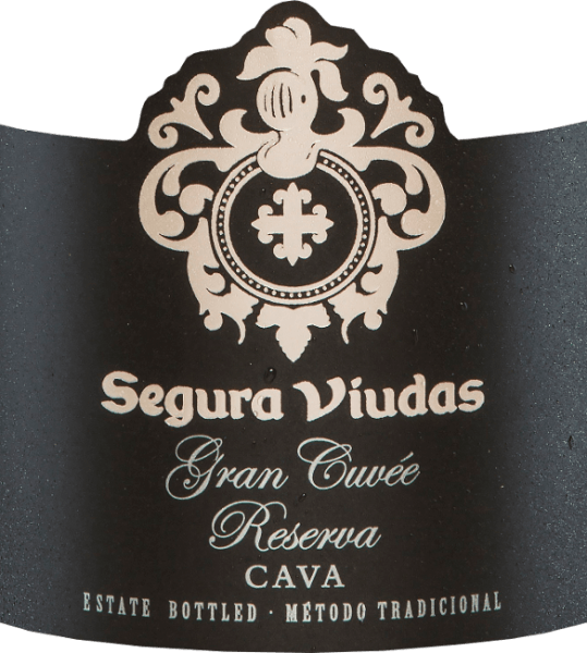 The Gran Cuvée Reserva Brut DO from Segura Viudas is a cava made from the Chardonnay, Macabeo, Parellada and Pinot Noir grape varieties. In the glass it shines with brilliant golden yellow and glittering reflections. The bouquet of this Spanish sparkling wine reveals complex aromas of yellow fruits, especially mirabelle plums with a hint of banana. The aromas of citrus fruits and notes of white flowers underline the nose. On the palate, the Gran Cuvée Reserva Brut from Segura Viudas is very rich in finesse with intense fruit and balanced acidity. It is a very elegant cava that will definitely remain in your memory. Vinification of the Gran Cuvée Reserva Brut by Segura Viudas After the grapes for this cava have been harvested by hand, they are crushed and the must is pressed. It is then fermented in stainless steel tanks at controlled temperatures. The second fermentation in the bottle is followed by 15 months in the bottle on the full yeast before the Gran Cuvée Reserva is finally degorged. Food recommendation for the Gran Cuvée Reserva Enjoy this Spanish sparkling wine with plaice fillet on a vegetable bed, salmon in puff pastry or with all sushi variations. Awards for the Segura Viudas Cava Gran Cuvée Mundus Vini: Gold The Champagne & Sparkling Wine World Championships UK: Gold
