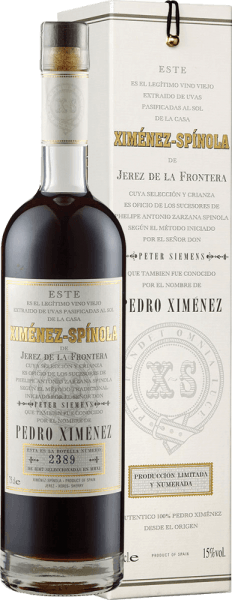 The Very Old Harvest Pedro Ximénez D.O. by Ximénez-Spinola appears mahogany in the glass and reveals its full aroma with the notes of dates, figs and apricot. These fruit aromas are accompanied by spicy wood nuances and liquorice. Made from 100% Pedro Ximénez, this sherry is velvety soft and heavenly sweet on the palate, with gentle bitter notes in the finish. This product is a multi-faceted and noble sherry. Food recommendation for the Very Old Harvest Pedro Ximénez D.O. by Ximénez-Spinola Enjoy this sherry with desserts of all kinds.