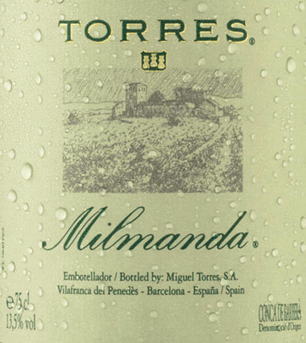 The Milmanda Chardonnay from Miguel Torres presents itself in a bright, shiny golden yellow in the glass. This pure white wine from Chardonnay (100%) reveals an intense scent of ripe apple, hazelnuts and almonds, rounded off with delicate brioche and butter notes. On the palate, this Spanish white wine has a smooth and soft taste with a lively grape variety fruit, which combines wonderfully with the integrated oak wood tones. In the finish this white wine shines with great length and aromatic density. Vinification of the Milmanda from Miguel Torres The grapes are harvested by hand and gently pressed. The must is fermented in oak barrels at 16°C for two to three weeks. In the barrel the biological degradation of acidity is also carried out. The ageing takes place for twelve months on the fine yeasts in 300 litre oak barriques from French oak. This white wine is bottled in November. Food recommendation for the Miguel Torres Milmanda This dry white wine from Spain goes very well with lobster, fine fish dishes, creamy risotto with seafood, poultry or tender suckling pig. Awards for the Torres Milmanda James Suckling: 93 points for 2015 Decanter Awards: Silver for 2015 International Wine Challenge: Gold for 2015