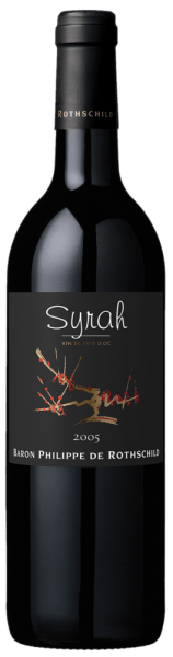 """The Les Cépages Syrah IGP Pays d'Oc is one of the grape varieties of Baron Philippe de Rothschild. The vineyards are located in the best locations in Languedoc-Roussillon in the south of France. This fine Syrah presents itself in the glass with intense violet color, on the nose a bouquet of blackberries, blackcurrants and a touch of pepper. The wine opens and the fragrances intensifies when it has a longer oxygen contact. On the palate you can taste the full fruit and typical peppery notes of the Syrah, supported by well-integrated tannins and its round, elegant finish. Food pairing for Les Cépages Syrah Pays d'Oc by Baron Philippe de Rothschild This French red wine is particularly suitable for dishes with aubergine, fried lamb meat with ratatouille, dried and smoked ham and sausage specialities, as well as to the country-typical soft cheese. It is recommended to open the Syrah IGP Pays d'Oc by Barone Philippe de Rothschild about an hour before serving. The Baron Philippe de Rothschild estate and the project """"Les Cépages"""" Since 1995, Baron Philippe de Rothschild has been producing varietal wines. The Baroness Philippine de Rotschild found the ideal conditions for this new project in the vineyards of the Languedoc-Roussillon, close to the Mediterranean coast and not far from the eastern Pyrenees. The result was the line """"Les Cépages"""" (French for grape variety), for the respective grape variety typical wines, modern, uncomplicated, with its own character, which particularly young people and wine novices should offer easy access to the world of the Rothschild wines, and the Baronesse also enjoyed itself."""