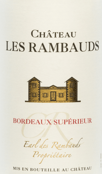 The Château Les Rambauds Bordeaux Supérieur from Yvon Mau presents itself bright cherry red in the glass. This wonderful cuvée is made from the grape varieties Merlot (40%), Cabernet Sauvignon (30%), Malbec (20%) and Cabernet Franc (10%). The nose is dominated by aromas of red and black berries, liquorice and cedar wood. Filigree notes of vanilla and toast complement the expressive, complex bouquet. On the palate, this French red wine convinces with its full taste and well-structured, fleshy texture. A soft, balanced finish rounds off this wonderful red wine. Food recommendation for the Yvon Mau from Bordeaux We recommend this dry red wine from France with hearty stews, grilled meat and stews as well as with cheese platters.