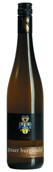 The Pinot Noir on the walnut tree of the Spiess winery shines in a delicate yellow with golden reflections. The bouquet exudes varietal aromas with fine hints of almond. On the palate, the white wine from Rheinhessen shows with notes of juicy pears underlined by nuances of pineapple and citrus fruits. The Pinot Noir has a velvety fullness and is strong in character. Serving suggestion/food pairing The white wine from Spiess goes perfectly with light meat with vegetables or with ham wrapped asparagus in sauce Hollandaise.