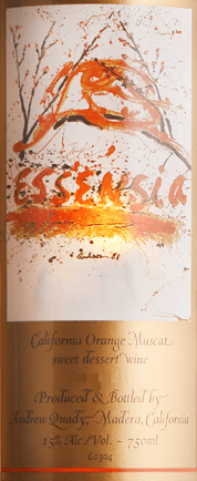 TheEssensia by Quady Winery is a wonderfully white dessert wine from America with a brilliant golden color in the glass. Expressive aromas of ripe apricots and juicy oranges unfold in the nose and on the palate - underlined by nuances of orange blossoms. The exotic character is unforgettable fresh and fruity. Food recommendation for the Sweet White Wine Essensia Quady This sweet white wine from California is the perfect accompaniment to all desserts. This sweet wine is best paired with chocolate or with crème brûlée. Awards for the Quady Winery Essensia Decanter: 91 points for 2015 Wine Enthusiast: 90 points for 2015 International Wine Challange: Bronze for 2015 International Wine & Spirits Competition: Gold for 2015