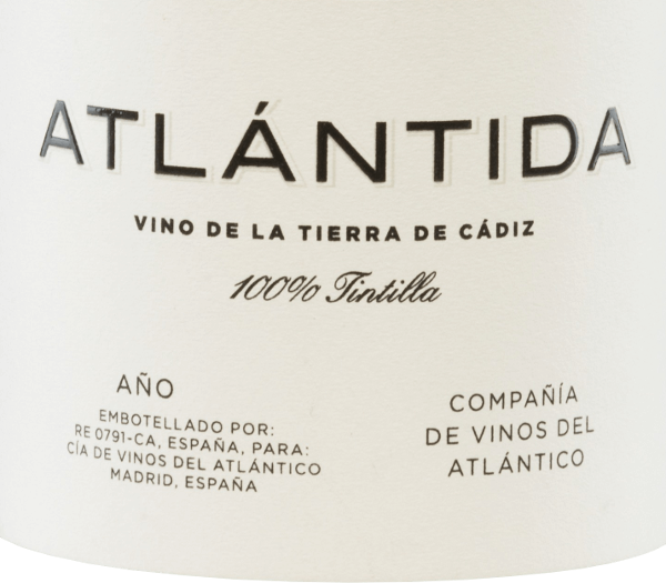 The Atlántida Tintilla of Compañía de Vinos del Atlántico comes from the Sherry region of Cadiz. This Spanish red wine is vinified exclusively from the Tintilla de Rota grape variety. In the glass, this wine shines in a bright ruby red with cherry-red highlights. The bouquet opens up a firework of expressive aromas. Notes of dark berries unfold, floral hints in combination with nuances of smoke and spice. On the palate, this red wine convinces with its juicy and concentrated character. Here, too, there is an excellent variety of aromas - raspberry, bitter cherry, fine hints of spice cake accompanied by a hint of blood orange. The silky tannins are very well integrated into the strong body and lead to an impressive, elegant and pleasantly long finish. Vinification ofthe Vinos del AtlánticoAtlántida The Tintilla de Rota grapes for this red wine originate from the single location Pago Balbaína. The 26-year-old vines grow on Albariza soils also known as white soil rich in limestone, clay and sand. After careful harvesting and selection of the grapes, they are gently pressed in the wine cellar. The resulting mash is then fermented in wooden steel tanks in a temperature-controlled manner. The impressive variety of aromas is ensured by the wood ageing for 16 months in French oak barriques. Food recommendation for the AtlántidaTintillaCompañía de Vinos del Atlántico This dry red wine from Spain is a wonderful accompaniment to cozy barbecues with the family and friends. But this wine also goes well with spicy stews and matured cheese. Awards for the AtlántidaVinos del Atlántico Vinous: 92 points for 2014 Wine Spectator: 92 points for 2014 Jancis Robinson: 16.5 points for 2014