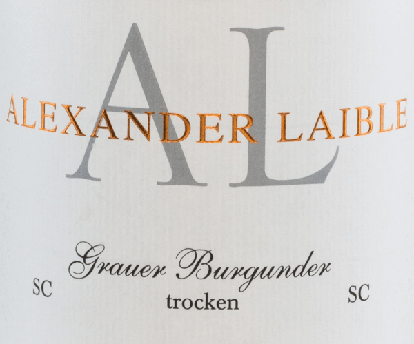 Alexander Laible's  Grauburgunder SC is a powerful grape variety from the Baden growing region.  In the glass, this wine shimmers a delicate golden yellow with light yellow highlights in the glass. Intense aromas of nuts reveal themselves in the nose - ripe pears and crisp apples are clearly in the foreground. On the palate, this German white wine has a powerful and expressive personality with a wonderful fruit fullness. The fascinating acidity harmonizes wonderfully with the melting texture. The reverberation convinces with a wonderful, lasting length.  Food recommendation for Alexander Laible Grauburgunder SC This dry white wine from Germany goes perfectly with crisp summer salads, dishes with poultry or even mild cheeses.