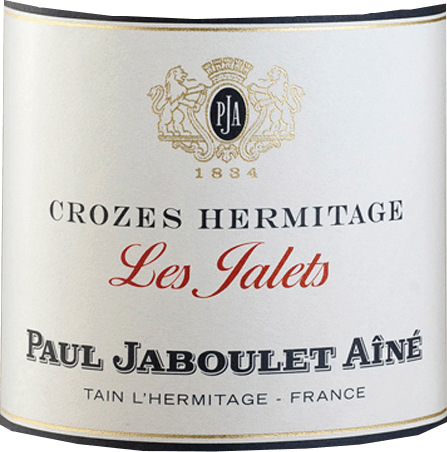The Les Jalets Blanc by Domaine Paul Jaboulet Aînéis presented in a dense, shiny yellow. In the bouquet of the varietal Marsanne, aromas of ripe apricots and fine spice notes can be smelled with a hint of honey. Lively, floral and with a lot of soft fullness and beautiful balance, the palate reveals itself. In the finale it shines with great length, accompanied by toast and honey notes. Food recommendation for Les Jalets Blanc by Domaine Paul Jaboulet Aîné A delicious drop with freshwater fish, such as butter-fried pike fillet with fine vegetables, but also with rabbit pie or mild goat's cheese (e.g. Picodon de l 'Ardèche).