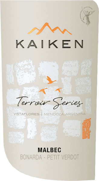 The Terroir Series Malbec from Viña Kaiken is an expressive Argentine red wine cuvée made from the grape varieties Malbec (80%), Bonarda (12%) and Petit Verdot (8%). In the glass this wine presents itself in a deep red violet with purple reflections. Initially, the characteristic floral notes of Malbec are noticeable, followed by fruity berry aromas, especially strawberry, thanks to the Bonarda grapes. On the palate, Bonarda and Petit Verdot provide structure and freshness, while Malbec provides spicy fruit and fullness. The result is an excellently balanced, round and full red wine with a long, aromatic finish. Vinification of the Kaiken Malbec Terroir Series The grapes for this red wine are harvested by hand and sorted. After grape selection, the grapes are crushed cold at 10 °C for 7 days. This is followed by alcoholic, temperature-controlled fermentation for 10-12 days at temperatures of 25 to 28 °C. The grapes are then pressed and the fermentation is completed. In order for this Argentine red wine to retain its wonderful colour and soft tannins, it remains on the skins for a further 7-15 days. Finally, 80% of this wine is aged for 7 months in French oak barrels - the remaining 20% remain in stainless steel tanks. Food recommendation for the Terroir Series Kaiken Malbec Enjoy this dry red wine from Argentina with braised aubergines, spicy lentil dishes, ratatouille, juicy steak, spicy chilli, roast duck and game ragout.