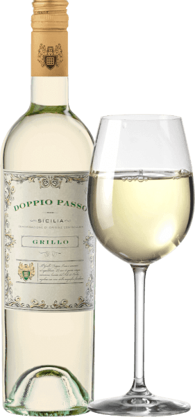 For Carlo Botter, the search for the perfect Doppio Passo white wine in Sicily has come to a happy end. CVCB's Doppio Passo Grillo Sicilia DOC is an impressively fruity, fresh and balanced white wine cuvée vinified from grillo and small portions of Cataratto and Chardonnay. In the glass, this wine shines in a clear straw yellow with glittering highlights. The nose is skilfully taken by an intense fruit bouquet. Juicy yellow stone fruits - especially apricot and peach - are perfectly complemented by sun-ripened citrus notes. On the palate, this Italian white wine convinces with a wonderful freshness, intense fruit fullness and mild acidity. The full-bodied body also contributes to the fresh balance of this white wine and accompanies it to the pleasant, elegant finale. Vinification ofthe Doppio Passo Grillo The grapes - Grillo, Catarratto and Chardonnay - are selected for the exceptionalDoppio Passo Grillo by hand. The easiest way to explain Doppio Passo is with two passes or work steps. In the first step, the grapes are harvested at the normal harvest time. For the second step, the grapes are left on the vines for longer, increasing ripeness and concentration in the berries. In this white wine, only grillo is harvested in the first step. In the second step, Catarrato and Chardonnay are added. Both grape harvests are combined and fermented together in a stainless steel tank. Food recommendation for the Doppio Passo Grillo by Carlo Botter Enjoy this dry white wine from Italy with white fish in fine lemon sauce, crisp salads with fresh seafood, grilled vegetables or with all kinds of antipasti variations.