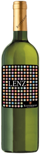 The Lenz white wine cuveé from the Ritterhof winery shines in a bright yellow in the glass and gives a light and carefree impression of spring and summer with its colour and bouquet. Delightful aromas of apple blossoms, flowers and fresh grasses unfold. This elegant and balanced white wine from South Tyrol delights on the palate with its fresh and uncomplicated character, its stimulating acidity and the lively impression. An all-round juicy and harmonious white wine cuvée. Vinification for the Lenz white wine cuveé This white wine is vinified from the grape varieties Chardonnay, Müller-Thurgau and Goldmuskatteller. The vines for this cuvée are rooted on the sunny hills of the Überetsch and Unterland. The different grape varieties are fermented separately at a controlled temperature of 20° Celsius in stainless steel tanks. Food recommendation for the Lenz White Wine Cuveé Enjoy this dry cuvée as an aperitif, with light appetizers, pasta and risotto or fish.