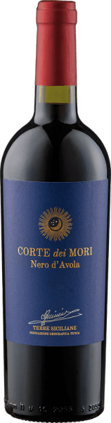 The Etichetta Blu Nero d 'Avola Terre Siciliane IGT by Corte dei Mori - Cantine Francesco Minini is presented in the glass in a rich ruby red with berry aromas, which are accompanied by a fine spice, which this red wine owes to the ageing in barrique barrels. This Italian red wine is velvety on the palate, fleshy with soft tannins and is crowned by a long-lasting finish. Food recommendation for the Etichetta Blu Nero d 'Avola Terre Siciliane IGT by Corte dei Mori - Cantine Francesco Minini Enjoy this dry red wine with tender pork and beef dishes, boiled meat, pasta with tomato sauce and mild cheese. Awards for the Etichetta Blu Nero d 'Avola Terre Siciliane IGT by Corte dei Mori - Cantine Francesco Minini Mundus Vini: Gold (vintages 2016, 2015)
