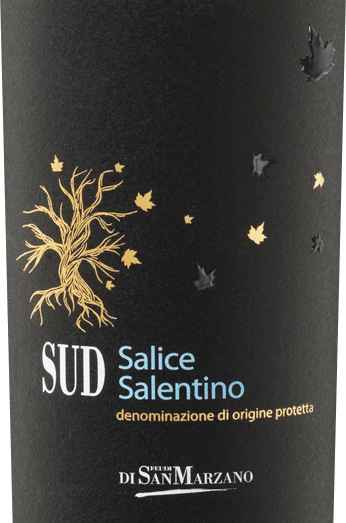 THE SUD Salice Salentino by Catine San Marzano is a wonderful, full-bodied and balanced red wine cuvée from the Italian wine region of Puglia. In deep ruby red with dark red reflections, this wine shines in the glass. The intense and spicy bouquet with aromas of black cherry and plum pairs with a distinct herbal note that reflects the Mediterranean climate of the growing area. On the palate, soft tannins unfold embedded in fruit aromas of dark stone fruits. The French oak is due to the well-integrated wood note, which serves as an excellent counterpart to the Mediterranean herbal aromas. The reverberation of this body-rich cuvée is long and of strong spice Vinification of San Marzano SOUTH Salice Salentino This cuvée brings together indigenous varieties such as the Negroamaro and Malvasia Nera grapes. Due to the reduction in yield owed to the limestone soil and the low humus layer, the grapes undergo a natural refinement process. Strong sunlight and the warm Scirocco protect against pest damage and complete the natural quality of the wines. After vinification, the cuvée is aged for 6 months in French oak. Food recommendation for Salentino San Marzano SUD The SUD Salice Salento is already a wonderful pleasure solo. But this dry red wine from Italy also goes well with aromatic antipasti, such as Vitello Tonnato or steak, grilled tuna and grilled vegetables.