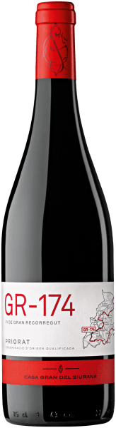 The GR-174 Priorat from the wine-growing region of Catalonia, which has been expanded in the barrel, is revealed in the glass in dense crimson. The nose shows this Casa Gran del Siurana red wine all kinds of plums, blackberries, mulberries, blackcurrants and shadow morals. As if this were not already impressive, black tea, vanilla and green peppers are added by the ageing in a small wooden barrel. On the palate, the GR-174 Priorat from Casa Gran del Siurana starts wonderfully bearded, grippy and aromatic. On the tongue, this powerful red wine is characterized by an incredibly dense texture. In the finish, this storable red wine from the wine-growing region of Catalonia finally inspires with good length. Again, there are echoes of lily and shadow morals. In the reverberation, mineral notes of the slate-dominated soils are added. Vinification of the GR-174 Priory of Casa Gran del Siurana The powerful GR-174 Priorat from Catalonia is based on grapes from the Cabernet Sauvignon, Cariñena and Garnacha grapes. In Catalonia, the vines that produce the grapes for this wine grow on slate soils. The grapes of this top wine from Casa Gran del Siurana do not grow in the lowlands, but dig their roots in the underground in steep slopes. The steep slope cultivation ensures that even in cooler regions with shorter growing periods, the vines receive a maximum of sun. After harvesting, the grapes immediately reach the press house. Here they are selected and carefully ground. This is followed by fermentation in small wood at controlled temperatures. After its end, the GR-174 Priorat will be expanded in oak barriques for another 12 months. Food recommendation for the Casa Gran del Siurana GR-174 Priorat This red wine from Spain should best be enjoyed at a temperature of 15 - 18°C. It is perfect as an accompanying wine with baked sheep's cheese packets, ossobuco or Thai cucumber salad.