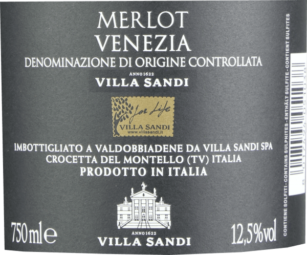 The Merlot Venezia from Villa Sandi in Veneto reveals a brilliant purple-red colour in the glass. The bouquet of this red wine from Veneto delights with aromas of mulberry, blueberry, blackberry and blackcurrant. If we continue to explore the aromas, cinnamon, green pepper and lovage are added. This dry red wine from Villa Sandi is for people who would best have 0.0 grams of sugar in their wine. The Merlot Venezia comes very close to this, as it was vinified with just 1.9 grams of residual sugar. On the palate the texture of this light-footed red wine is wonderfully velvety. Due to the balanced fruit acidity, the Merlot Venezia caresses the palate without lacking juicy liveliness. In the finish, this red wine from the Veneto wine growing region finally inspires with considerable length. Once again there are hints of blueberry and mulberry. Vinification of the Merlot Venezia from Villa Sandi The elegant Merlot Venezia from Italy is a pure wine, produced from the Merlot grape variety. After the manual harvest the grapes are immediately taken to the cellar. Here they are selected and carefully broken down. Fermentation then takes place in stainless steel tanks at controlled temperatures. The fermentation is followed by a maturation on the fine yeast for several months before the wine is finally bottled. Recommended food for the Merlot Venezia from Villa Sandi This red wine from Italy is best enjoyed at a temperature of 15 - 18°C. It goes perfectly with boeuf bourguignon, fruity endive salad or lamb stew with chickpeas and dried figs.